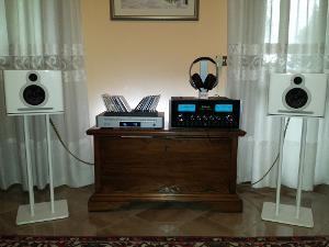That's my Hi-Fi system: -Guru QM10 Two -Arcam Solo Neo -McIntosh MA6900 Limited Edition (78...