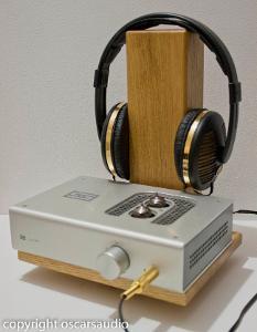 solid oak headphone station www.oscarsaudio.co.uk