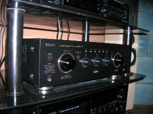 My first stereo amplifier Teac AR-600