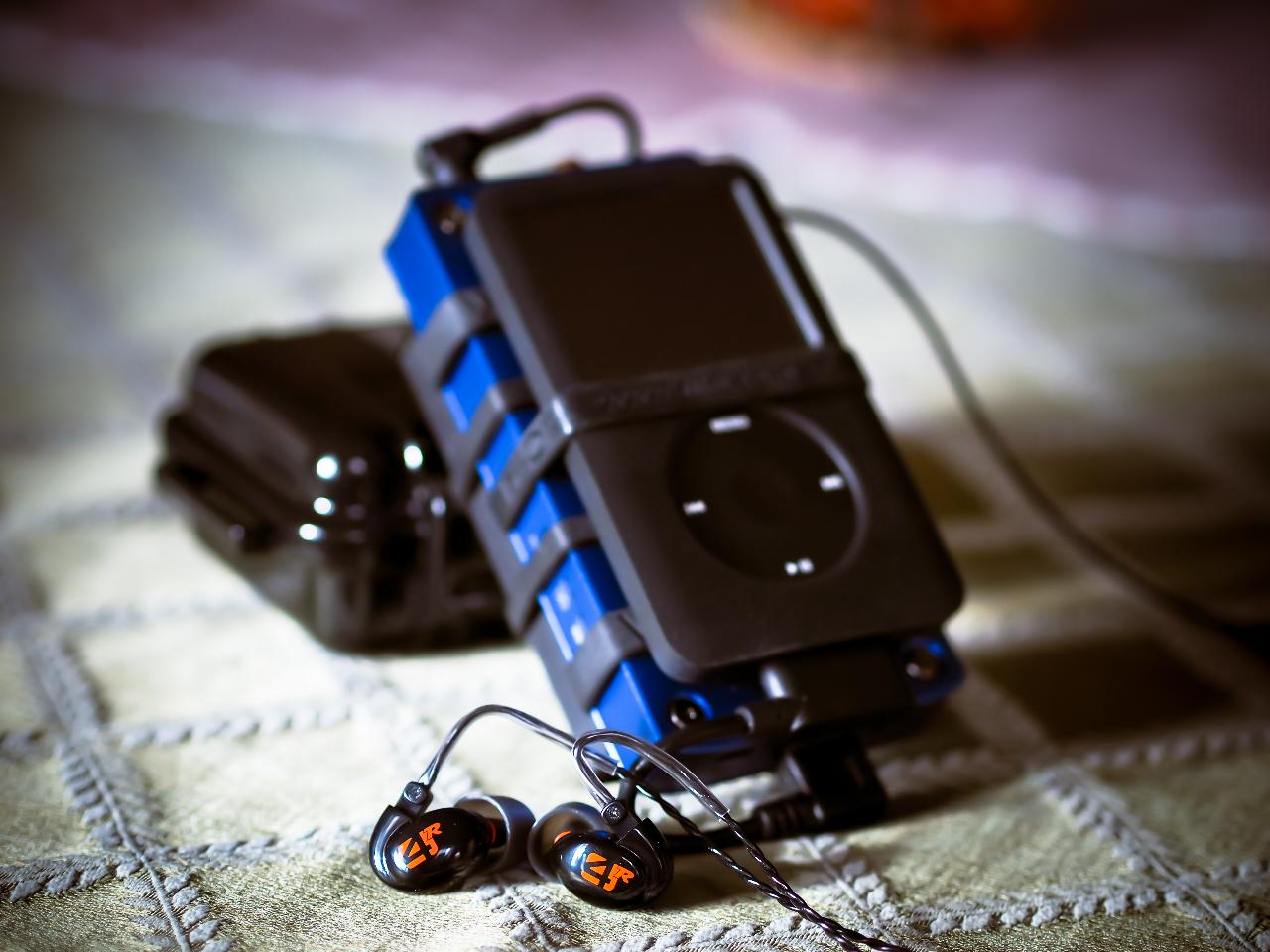 iPod Classic 160GB → VentureCraft GoDAP DD Socket 1 (MUSES01) → JDS Labs C421 → Westone 4R