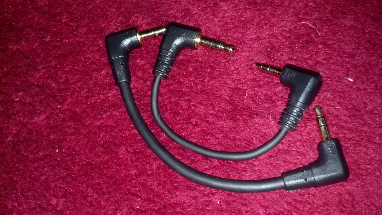 Stock cable included with the FiiO E12 vs. the FiiO L8.<br /> <br /> The FiiO L8 is the...