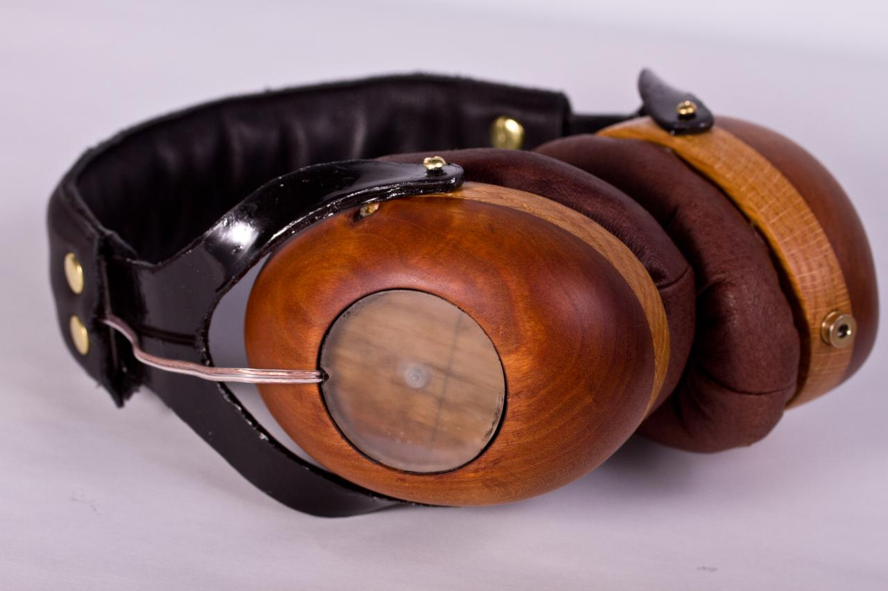 Wooden headphones made from scratch with Sennheiser  hd201 drivers<br /> <br />...