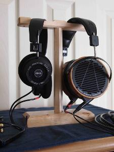 SR60i vs LCD2 (sold)