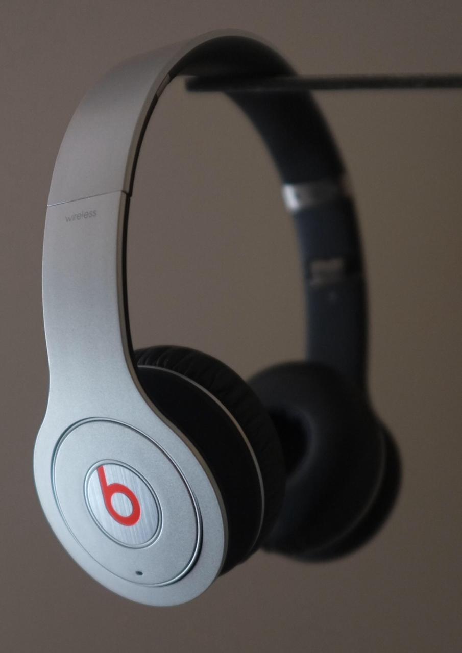 beats by dr dre wireless (beats LLC)