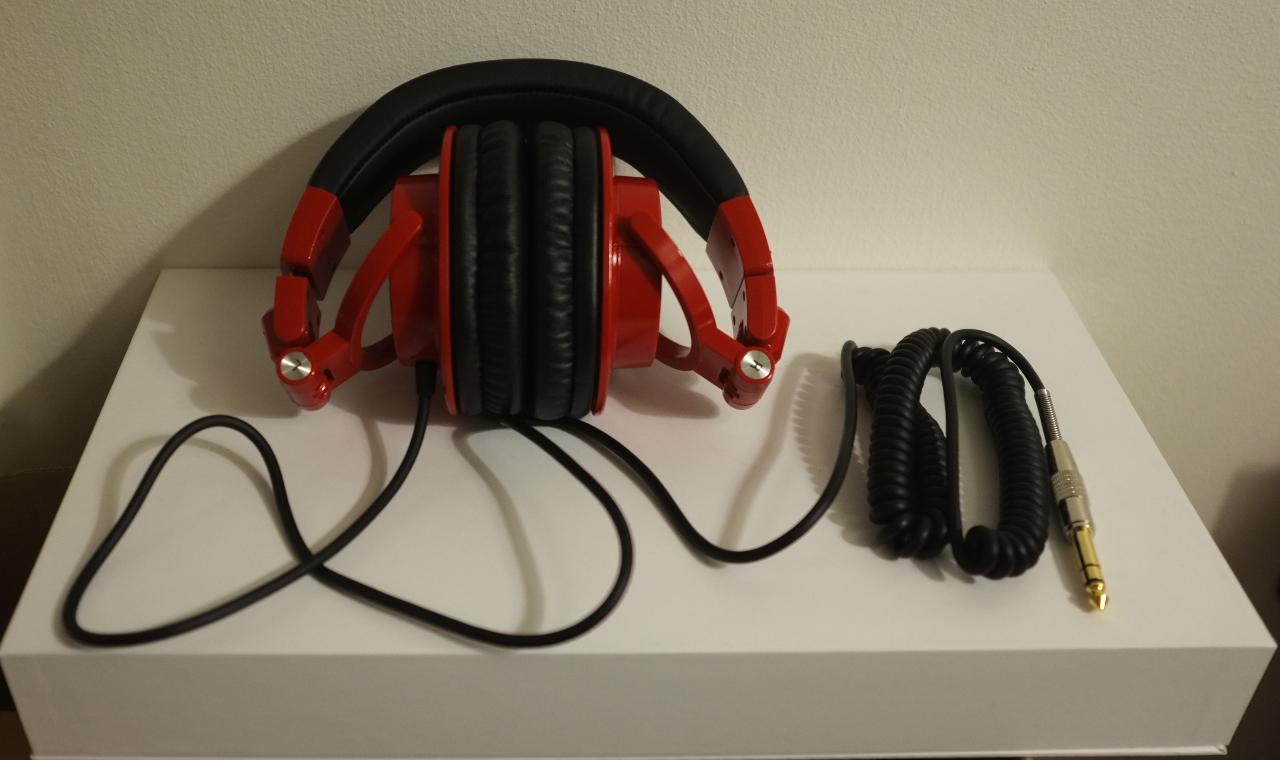 AUDIO TECHNICA ATH-M50 LTD Edition Red Colour pic 2