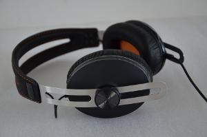 Sennheiser Momentum Limited Edition David Bowie  Edition feat. orange stitching and colour ear...