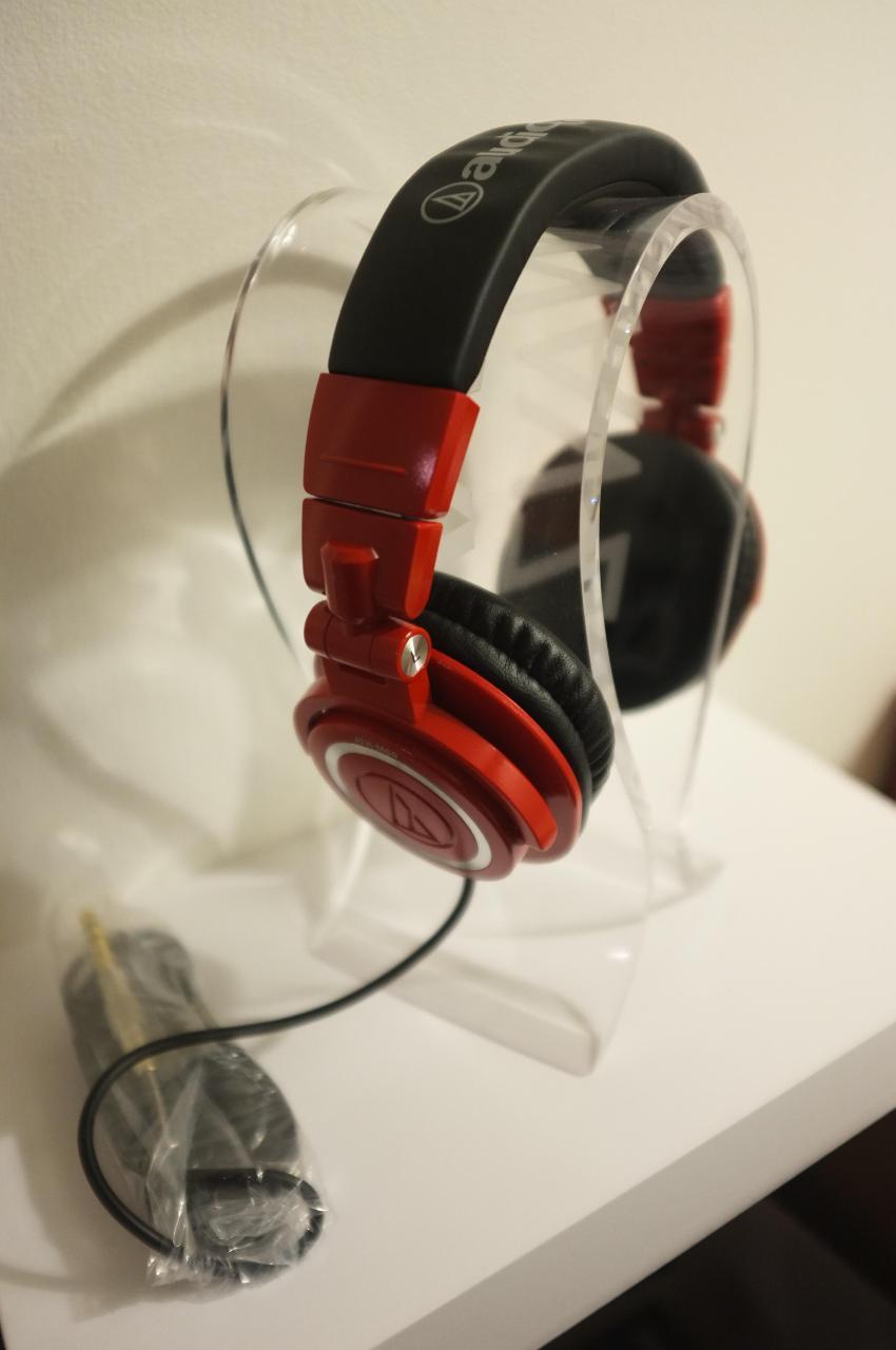 AUDIO TECHNICA ATH-M50 LTD Edition Red Colour<br /> <br />