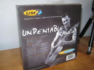 UM2 box back
