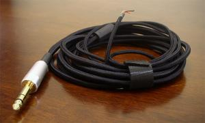 D7000-Cable.jpg