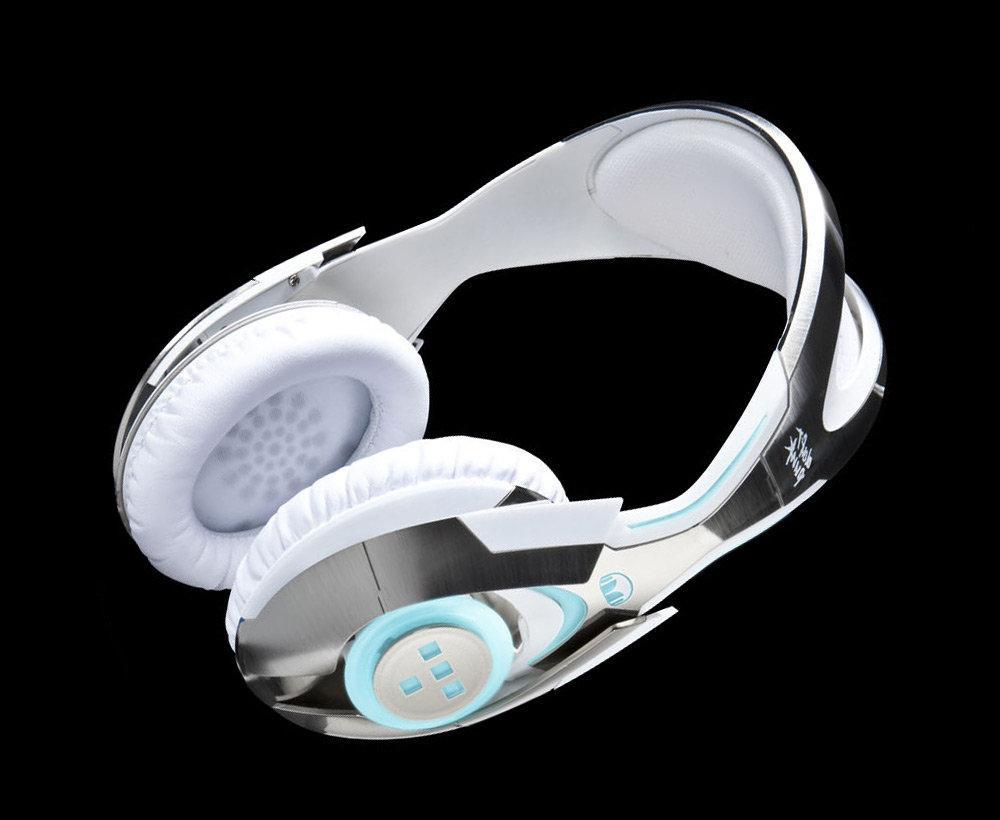 tron-headphones.jpg