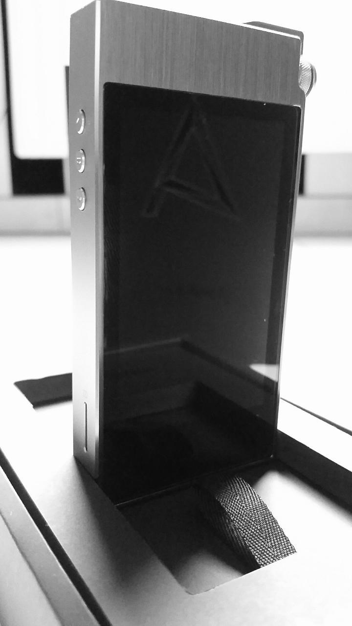 AK 100 II device<br /> <br /> Astell &amp; Kern AK100 II (new model)