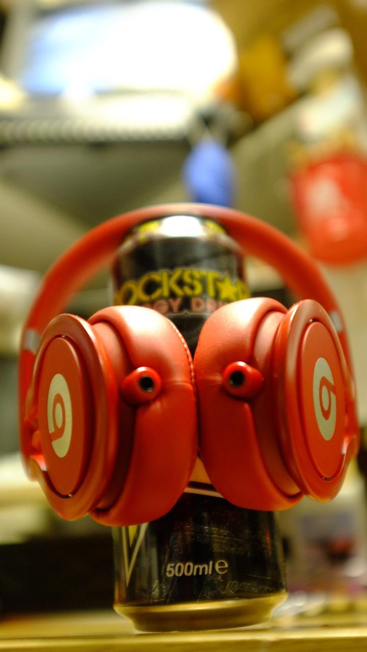 Beats Mixr DJ Headphones in red<br /> <br />