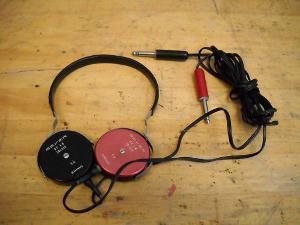 Old Beyer DT 48 headphones (Ebay seller's photo)