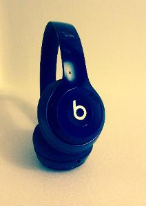 Beats solo2 in navy blue - sometimes it rhymes ;)