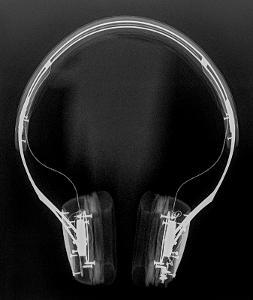 """AP Radiograph of V-Moda V-80. Done at 45kVp at 5 mAs, 40"""" SID. Uneven brightness and quantum..."""