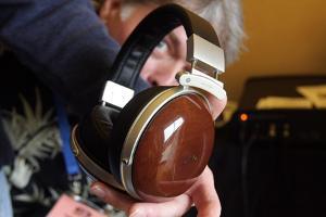 denon_headphones.jpg