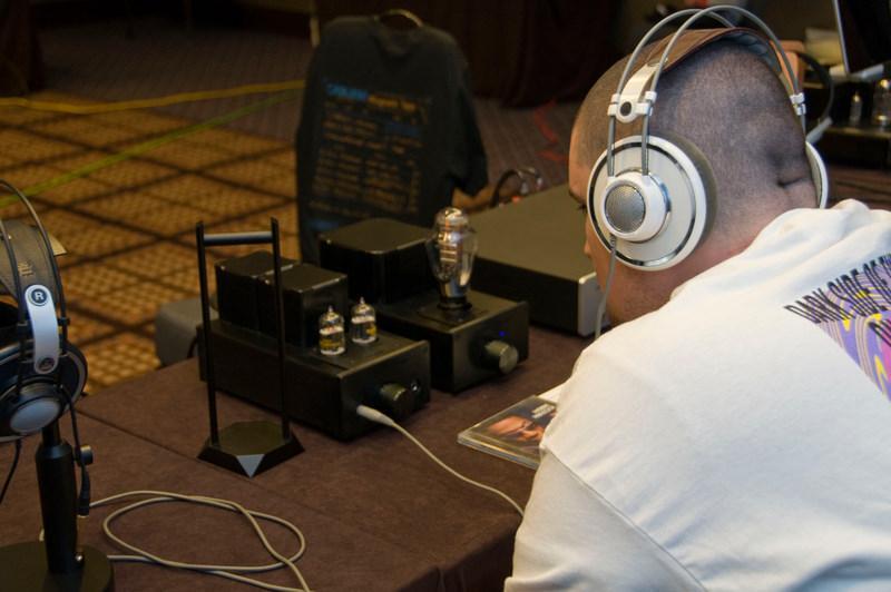 listening K701
