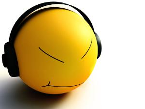 Smiley-Hear-Music-Wallpaper.jpg