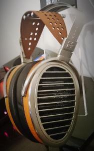 HiFiMAN HE1000 Headphone 1 (2).JPG