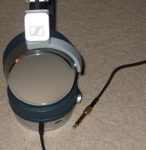 Sennheiser HD630VB Box & Headphone Photos
