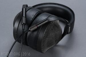 Sony MDR-Z1R.