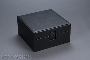 Sony MDR-Z1R box.