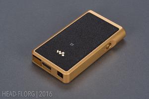 Sony Walkman NW-WM1Z, view of leather-covered bottom.