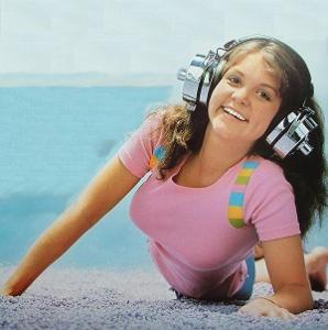 crazy_headphones-761901.jpg