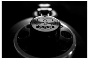 AKG K240
