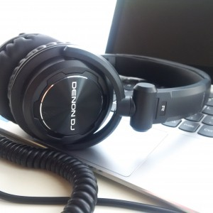 Denon HP600 fantastic headphones great for home djs, portable djs, commuting, etc. They sound...