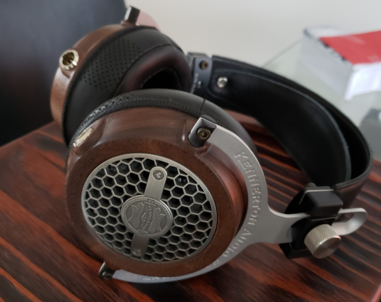 Vali .. another less known yet lovely dynamic Headphone.
